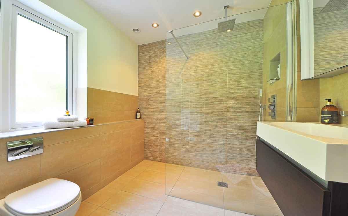 inloopdouche in de badkamer